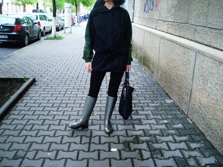 raincoat2